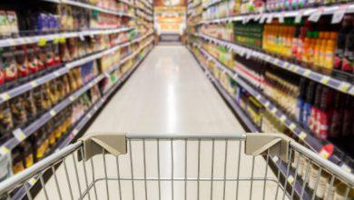 Photo of وزير التجارة طلال البرازي: قيمة البضائع المهربة على رفوف المحلات تصل إلى مليوني دولار!.