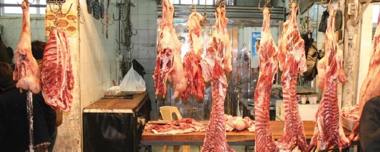 Photo of ارتفاع أسعار اللحوم بنسبة لا تقل عن العشرون بالمئة والسبب التهريب