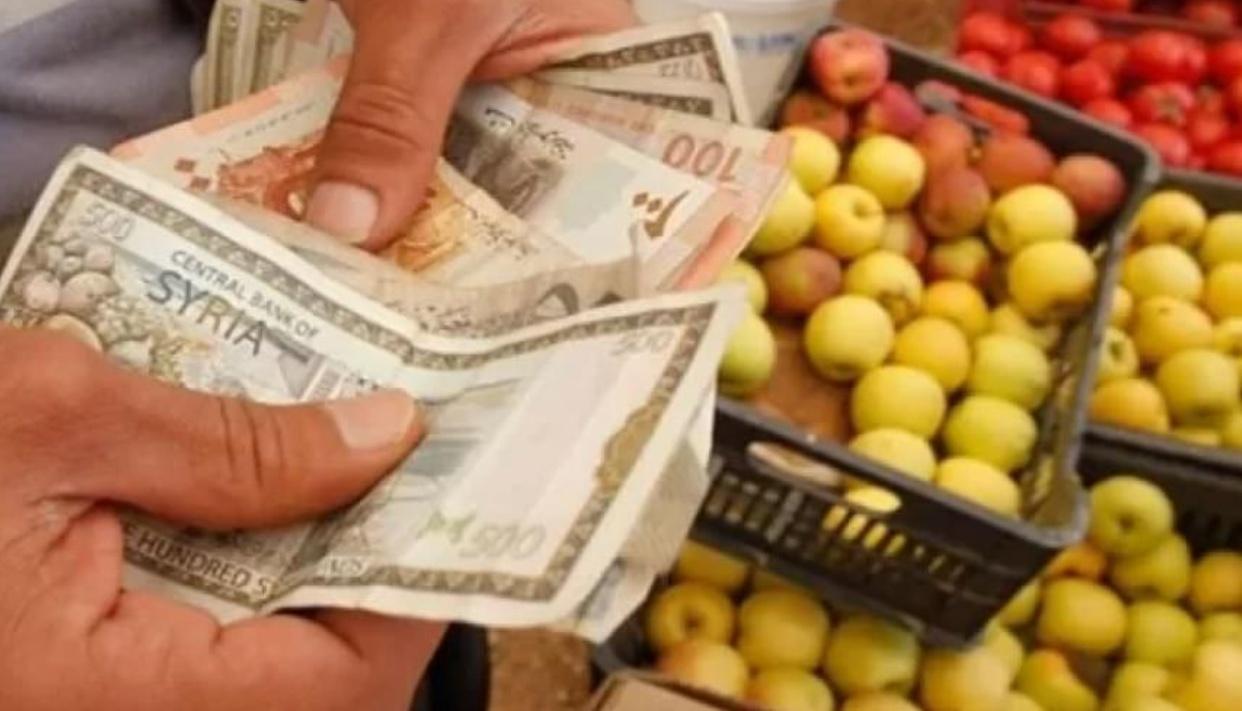 Photo of متوسط دخل الفرد خمسون ألف ليرة والمطلوب للأسرة ستة مائة وخمسون ألفاً و والأغلبية من الناس يقتصرون على وجبة أو اثنتين كحد أقصى